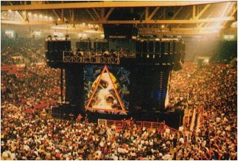 Def Leppard Tour History Def Leppard S First Hysteria In