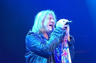 Joe Elliott Explains His Vocal Issues On The Def Leppard World Tour.