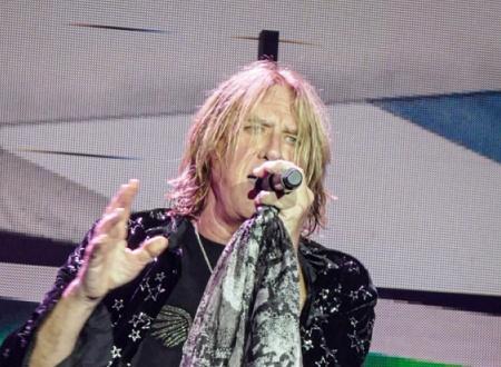 Def Leppard Band Member Joe Elliott Lead Vocals